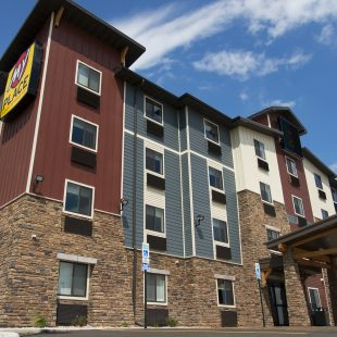 My Place Hotel - Brookings, SD
